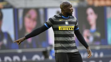 Manchester United are watching Inter's payments closely