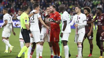 La fin du match entre le F.C Metz et le PSG a été très tendue.