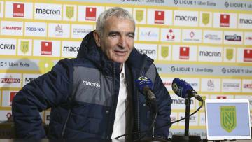 Raymond Domenech a passé trois mois sur le banc du FC Nantes...