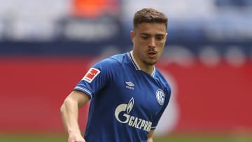 Blendi Idrizi bleibt dem FC Schalke treu