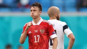Aleksandr Golovin zielte knapp vorbei