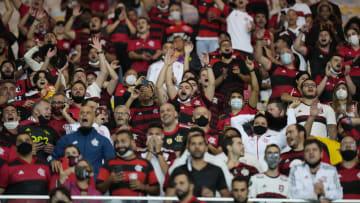 Torcida do Flamengo foi ao Maracanã em jogo da Libertadores