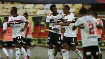 São Paulo vai mal no Brasileiro e vem de goleada sofrida