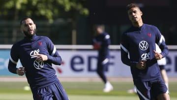 Karim Benzema et Raphael Varane en Équipe de France.