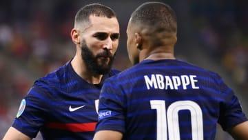Karim Benzema et Kylian Mbappé, la lumière et l'ombre.