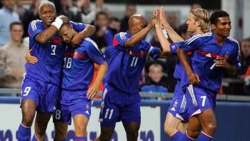 Djibril Cissé célébrant son but face aux Hongrois en 2005