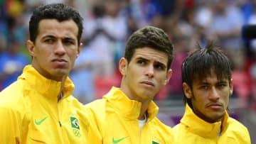 (FromL) Brazil's forward Leandro Damiao,