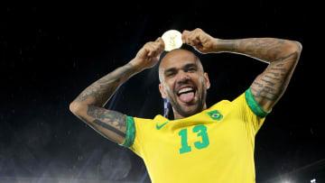 Gold Medal Match: Men's Football - Olympics: Day 15 - Dani Alves, el más campeón de la historia.