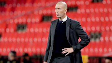 Zinédine Zidane vit-il ses derniers moments sur le banc du Real Madrid ?