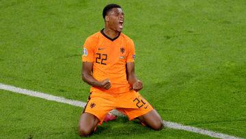 Bayern München buhlt um Denzel Dumfries (25) aus den Niederlanden
