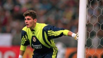 Iker debutó en Real Madrid el 12 de septiembre de 1999 en un empate 2 a 2 ante Athletic Bilbao