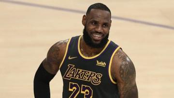 LeBron continúa recuperándose de su más reciente lesión