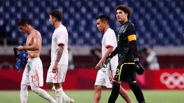 Jugadores de México al término del partido ante Japón.
