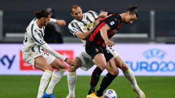 Juventus e Milan são gigantes em fases opostas