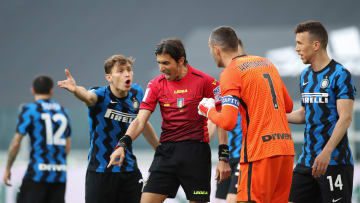 Gianpaolo Calvarese, Samir Handanovic, Nicolo Barella, Ivan Perisic