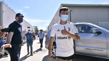 Paulo Dybala llegando a los entrenamientos con la Juventus