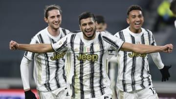 Juventus v Genoa CFC - Coppa Italia