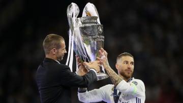 Ceferin entrega la Duodécima a Sergio Ramos, capitán del Real Madrid