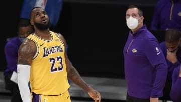 LeBron James y Anthony Davis continúan ausentes en los Lakers