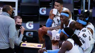 Los Lakers inician una nueva etapa de cambios