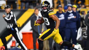 Pittsburgh Steelers safety Minkah Fitzpatrick returning an interception last season.