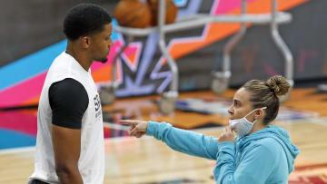 San Antonio Spurs Rudy Gay, Becky Hammon
