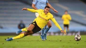 Manuel Akanji hat beim BVB verlängert