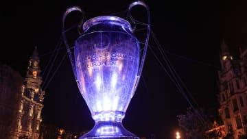 Zur Zeit im Besitz des FC Chelsea: Der Champions League-Pokal (oder einfach nur: Henkelpott)