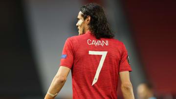 Edinson Cavani has decided to stay at Man Utd for a second season