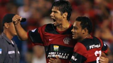 """Ídolo do Flamengo, Fábio Luciano deixou o Rubro-Negro pouco antes da chegada de Adriano, mas destaca: """"Uma união perfeita""""."""