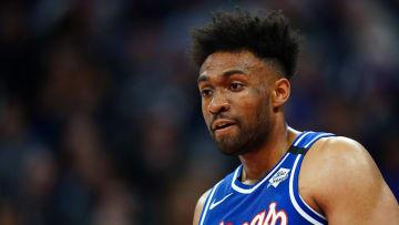 Parker espera aportar desde la banca en un rol que requieren los Celtics