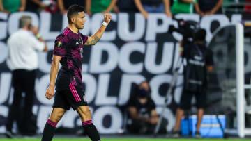 Orbelin Pineda con la selección mexicana