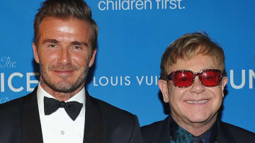 Elton John y David Beckham, ambos propietarios de clubes de fútbol