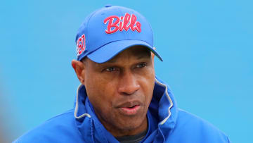 Bills defensive coordinator Leslie Frazier preaches forgiveness and communication in light of Jake Fromm's racial text message scandal.