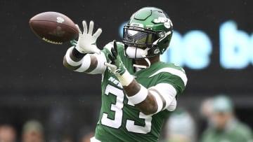New York Jets safety Jamal Adams attempts to make a catch.