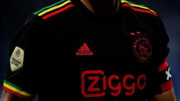 """L'Ajax ne pourra pas arborer son maillot third """"Bob Marley"""" en C1 cette saison"""