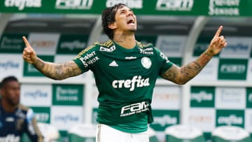 Zagueiro fez primeiro gol alviverde na nova casa do Corinthians