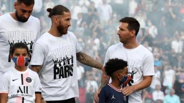 Velhos adversários do El Clásico, Sergio Ramos, ex-Real Madrid, e Lionel Messi, ex-Barcelona, vão dividir o vestiário no PSG.