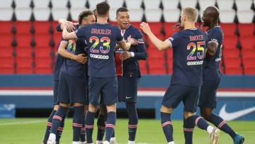 Le Paris Saint-Germain s'impose face au Stade de Reims (4-0) pour sa dernière à domicile