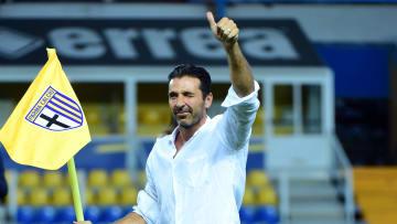 """Gigi Buffon la sera della presentazione al """"Tardini"""" di Parma"""