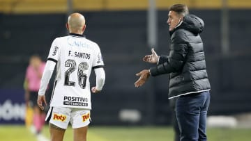 Corinthians levou 4 a 0 do Peñarol no Uruguai