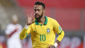 Neymar iniciou a década como promessa e hoje é 10 da seleção e do PSG.
