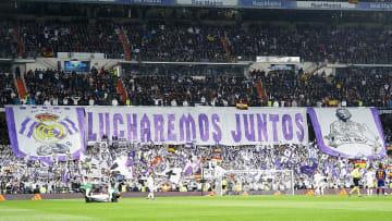 Real Madrid CF v FC Barcelona  - La Liga - Los hinchas en el partido más importante de España.