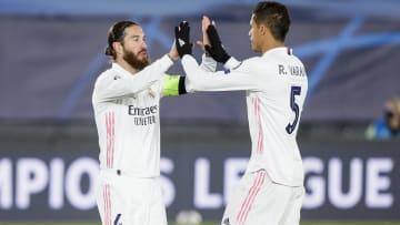 Sergio Ramos ile Raphael Varane'ın gol sevinci