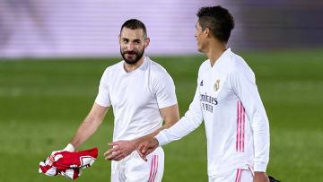 Quand Benzema te regarde comme ça, t'as tout gagné.