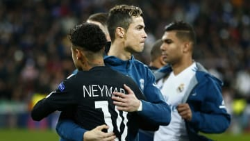Neymar would like to play with Cristiano Ronaldo before his careers ends