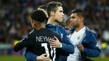 Cristiano Ronaldo, Neymar, Lukaku e outras feras: veja os jogadores que mais movimentaram dinheiro com transferências no futebol mundial.