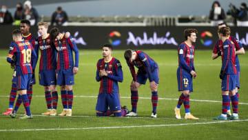 Varios jugadores del Barcelona en la rampa de salida