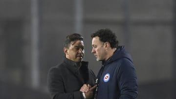 River Plate v Argentinos Juniors - Copa CONMEBOL Libertadores 2021 - Gallardo y Milito tuvieron un fuerte intercambio de palabras.