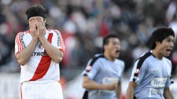 Mariano Pavone falló el penal que desencadenó en el primer descenso de River a la segunda categoría.